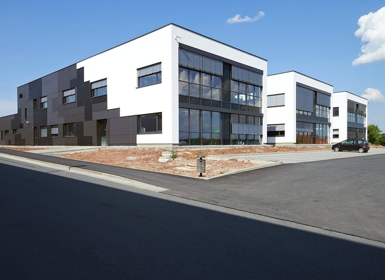 Neues Service-Gebäude